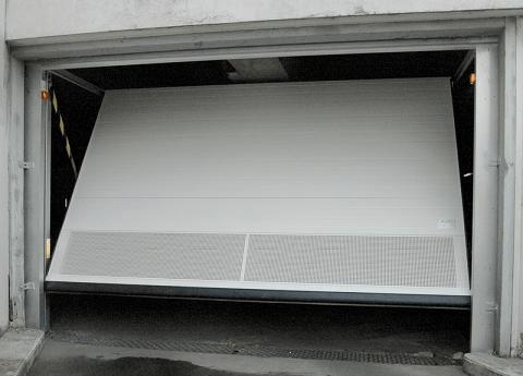 Puerta de garaje basculante - Puertas de garaje Barcelona