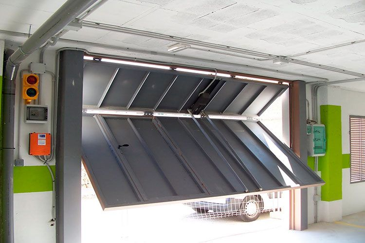 puerta basculante 1 - puertas de garaje basculantes automaticas