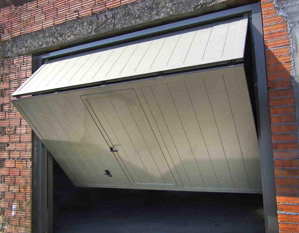 puerta basculante 960x750 - puertas de garaje basculantes automaticas